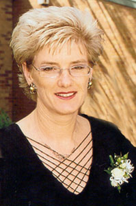 robyn_lee_burrows_bio pic