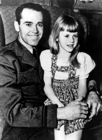 Henry_Fonda_and_Jane_-_1943